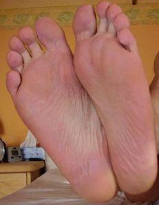 Male_feet
